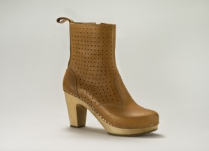 362-perforated-zipper-boot